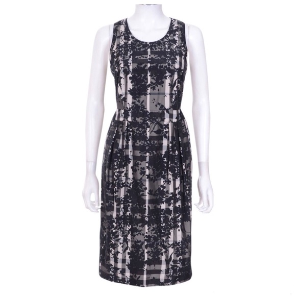 ✨SALE✨Burberry | Charcoal Beat Floral Check Dress